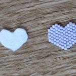cœurs en perles et en feutrine